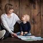 【診断】過保護な親や恋人の特徴とは?過干渉との違いと将来への影響