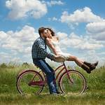 好きにさせる心理的な方法10選!彼氏をもっと好きにさせる方法も