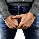 包茎でペニスが痛い原因と解決法は?真性包茎を自力で治す方法