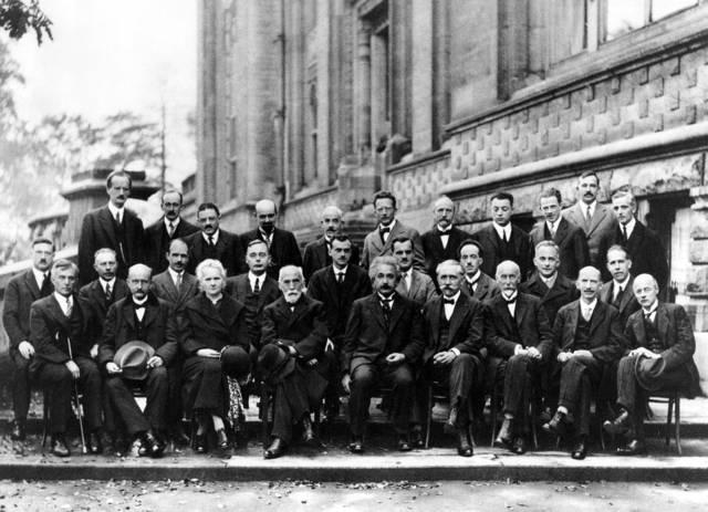 アインシュタイン 物理学者 会議 - Pixabayの無料写真 (667988)