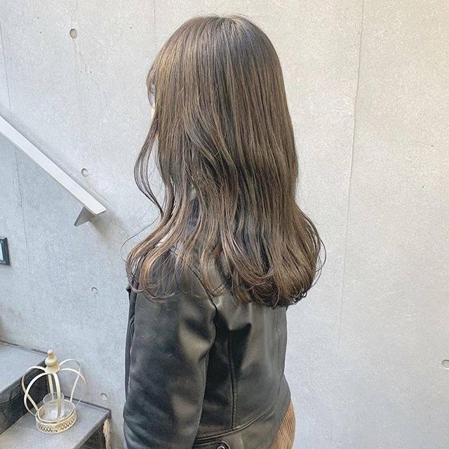 "SHUN on Instagram: ""ダークなシアングレージュカラー☺︎ * 現在髪のベースが明るくて、暗めにトーンダウンしたい方にオススメです🙋♂️✨ *…"" (44850)"