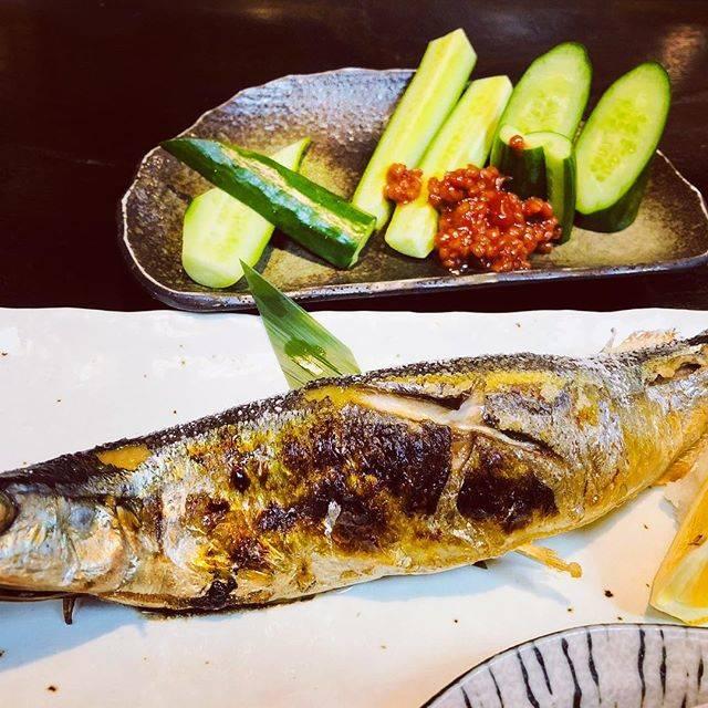 "Yuko Asami on Instagram: ""秋刀魚の塩焼きとモロキュウ💖日本人で良かった✨🍶 #むらやま#モロキュウ#秋刀魚の塩焼き"" (151369)"
