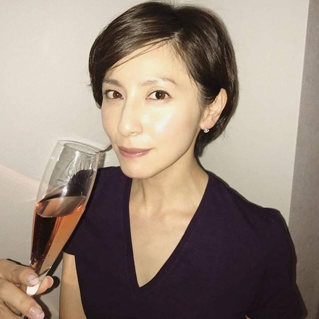 """Megumi Okina 奥菜恵 on Instagram: """"帰宅!38歳になりました!ゆっくり丁寧に楽しんで参ります!"""" (229795)"""