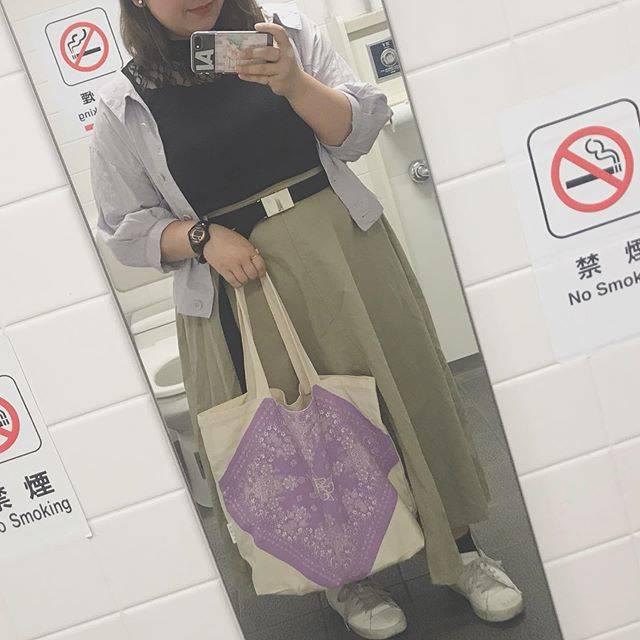 "haruka ♡ on Instagram: "". . tops:w closet inner:apres jour skirt:Re-j shoes:GU . . バッグは藍ちゃんのグッズ💕 おでかけは2時間で終了。(笑) ほんとは家にいる予定だったけど、 明日から天気悪そうだからしかたないね〜💭 . . #ぽっちゃり…"" (374680)"