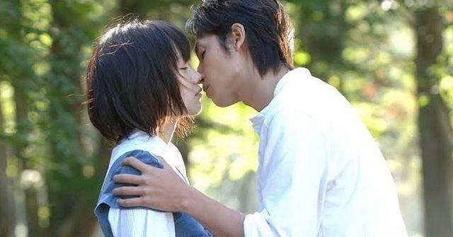 "KotoのKino on Instagram: ""『ただ、君を愛してる』切なすぎる。記憶なくしちゃう系とかいなくなっちゃう系とかすぐ泣いちゃう。大学生の変な宮崎あおいとカメラマンになった宮崎あおいのギャップがすごすぎてすごかった。#ただ君を愛してる#宮崎あおい#玉木宏#黒木メイサ#映画#movie"" (444163)"