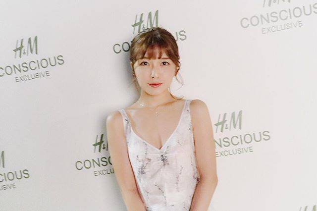 """Misako Uno(AAA) on Instagram: """".素敵な白いドレスを着てH&Mのパーティへ行ってきました。セルフメイク頑張ってみました。#hm#hmconsciousexclusive#オーガニックリネンとシルク#環境に優しいドレス"""" (547230)"""