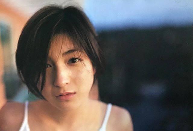 """広末涼子ファン on Instagram: """"写真集「Happy 20th birthday」2000年やっぱ可愛いすぎだね。。。 #広末涼子 #素敵な女優さん #hirosueryoko #かわいい #かわいすぎる #美人 #美人過ぎる #ryokohirosue #Japaneseactress #actress"""" (548888)"""