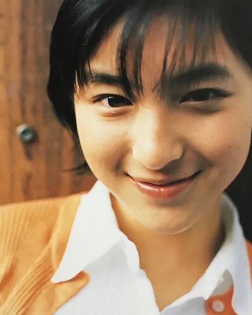 """広末涼子ファン on Instagram: """"写真集「広末涼子CFスペシャル」1999年べっぴんさん。。。 #広末涼子 #素敵な女優さん #かわいい #かわいすぎる #美人 #美人過ぎる #hirosueryoko #ryokohirosue #Japaneseactress #actress"""" (549057)"""