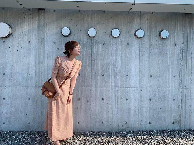 "honda tsubasa on Instagram: ""👗👜 onepiece... @verybrain  bag... @loewe  最近は急に寒くなったり、 東京の天気は慌ただしいです🙍♀️ みなさん体調はいかがですか? 私は急な天候の変化のせいか いつもに増してapexが下手になったような気がいいえなんでもありません。…"" (551736)"