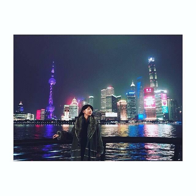 """柏木由紀(Yuki Kashiwagi) on Instagram: """".上海の夜景🌃✨ 綺麗だったなぁ...😌#上海 #夜景"""" (553762)"""