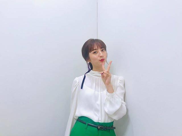 """Akane Hotta / 堀田茜 on Instagram: """"ずっと楽しみにしていた「バズリズム02」ありがとうございました🕺次回は「平成音楽シーン特集(後編)」5/3日本テレビにて24:59〜です🎧#バズリズム"""" (554306)"""