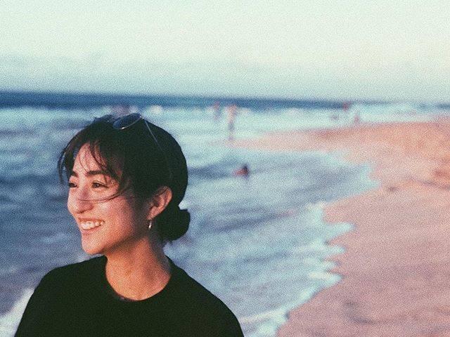 """Akane Hotta / 堀田茜 on Instagram: """"明けましておめでとうございます🎍今年もどうぞよろしくお願いします!今年もカウントダウンは家族で🎉お休みを頂いてハワイでたくさん泳いだお正月🏝今年は皆さまに会える機会がたくさん作れたらいいな✨頑張ります!"""" (554312)"""