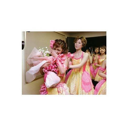 """RHAN_ on Instagram: """"....2005.5.7石川さんがモーニング娘。を卒業した日の写真ですね 🏻(><)...#モーニング娘。#2005#愛の第6感 #卒業#石川梨華#吉澤ひとみ#紺野あさ美#小川麻琴#田中れいな#💗"""" (554634)"""