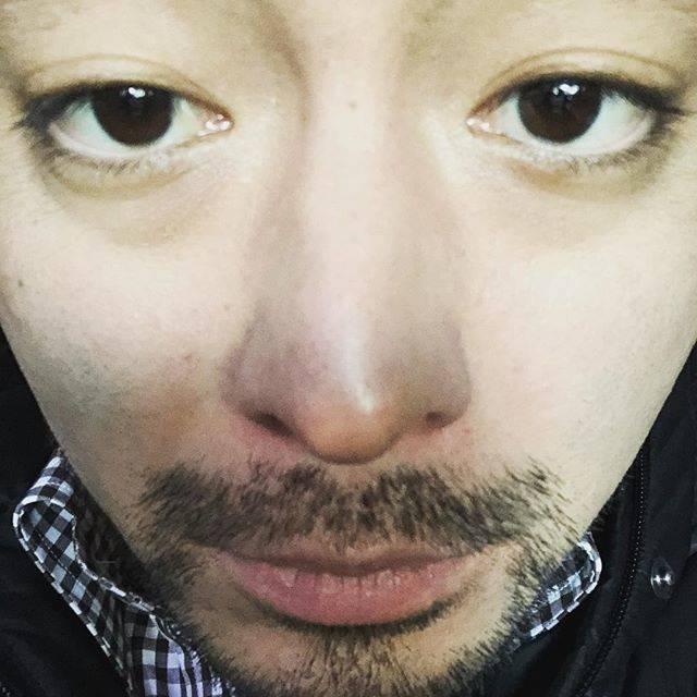 """山田孝之 on Instagram: """"最近役作りのために添加物バンバンな食品をガツガツ食ってたら5年ぶりに花粉症が出てグッズグズのズッビズビのデロンデロンになった🤧明日と明後日レコーディングなので数曲鼻声になりますがご了承ください🥳"""" (554635)"""