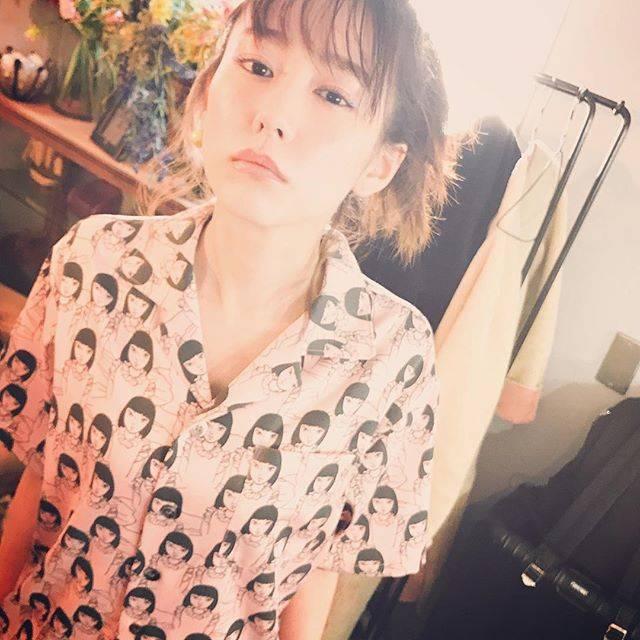 """桐谷美玲 on Instagram: """"よく目が合うお洋服👩"""" (556952)"""