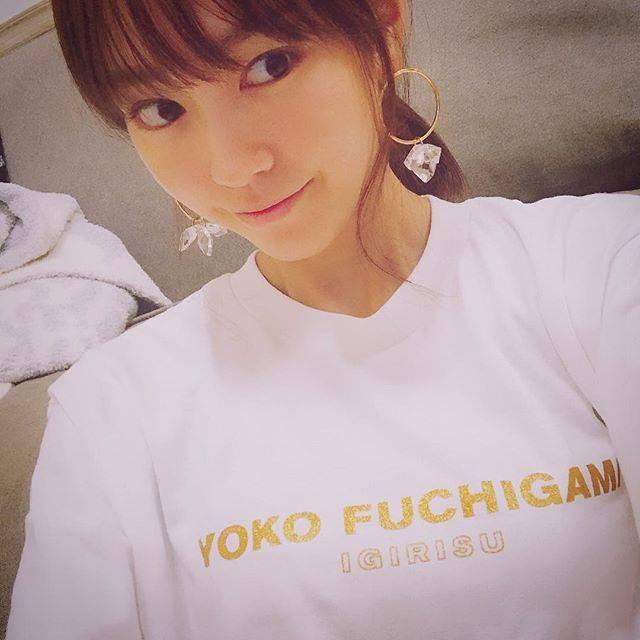 """桐谷美玲 on Instagram: """"YOKO FUCHIGAMI😘✨#yokofuchigami #クリエイターズファイル"""" (556956)"""