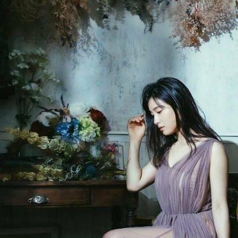 """土屋太鳳 on Instagram: """"ずっとずっとお伝えしたかったお知らせを!!! 日本ジュエリー協会とUBMジャパンが選出する 「ジュエリー業界が選ぶウーマン オブ ザ イヤー」。 今年で第7回となる2019年のウーマンオブザイヤーを 受賞いたしました。 . ジュエリーの輝きのように最も美しく輝いている女性を…"""" (558051)"""