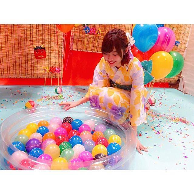 "Rino Sashihara on Instagram: ""HKT48の生写真は毎回セットがすごいです😀"" (561183)"