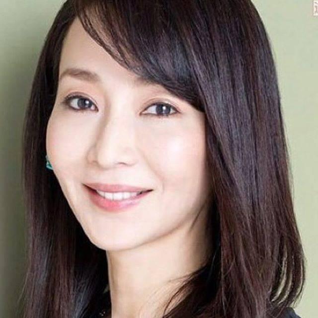 """@hiromi_miro3919 on Instagram: """"2019.03.19稲森いずみさん💝 🎂お誕生日🎂🎉おめでとう🎉次の作品も、楽しみにしてます!ゆっくり出来る時に、リフレッシュしてねっ💝#稲森いずみ"""" (568091)"""