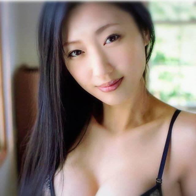 "Hiroshi on Instagram: ""好きな女性壇蜜さん妖艷だよね色気がビャービャー出てる感じ#壇蜜 #秋田美人#女優 #美人#妖艷"" (570544)"
