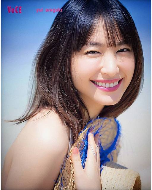 "Lily_nana *✲゚*。 on Instagram: "".☀️猛暑ですね~💦.#新垣結衣 #ガッキー #女優#yuiaragaki #aragakiyui #gakki#VOCE #fashion #model #actress #💖"" (579299)"