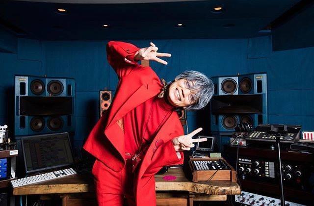 """@luv.mzh on Instagram: """"...好きな俳優聞かれたら#綾野剛#赤スーツ似合いすぎほんとかっこよい~の😩💛#luvmi"""" (579593)"""