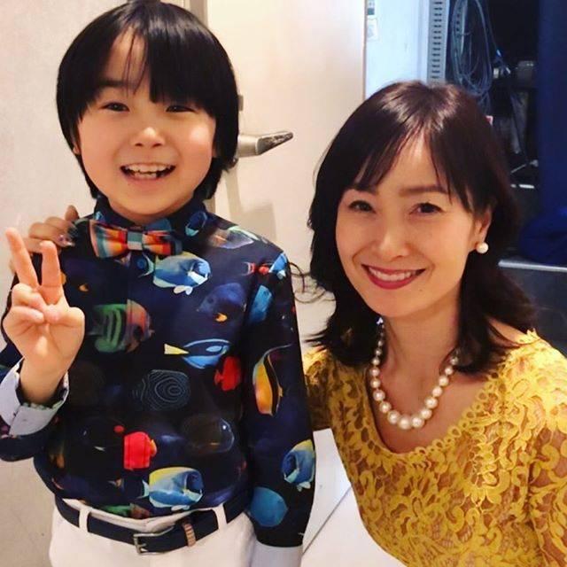 """Yoko Matsuda 松田陽子 on Instagram: """"寺田心くんと久しぶりの再会❤️ 「ばあばは、だいじょうぶ」イタリア・ミラノ国際映画祭にて、ジャッキー・ウー監督は、最優秀監督賞。寺田心くんは、主演男優賞を受賞した作品で、私は心くんのお母さん役で出演させていただいています。…"""" (580592)"""