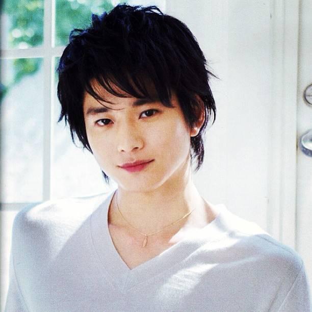 "Osamu Mukai | 向井理 on Instagram: ""#osamumukai #mukaiosamu #japanese #actor #handsome #向井理"" (580749)"