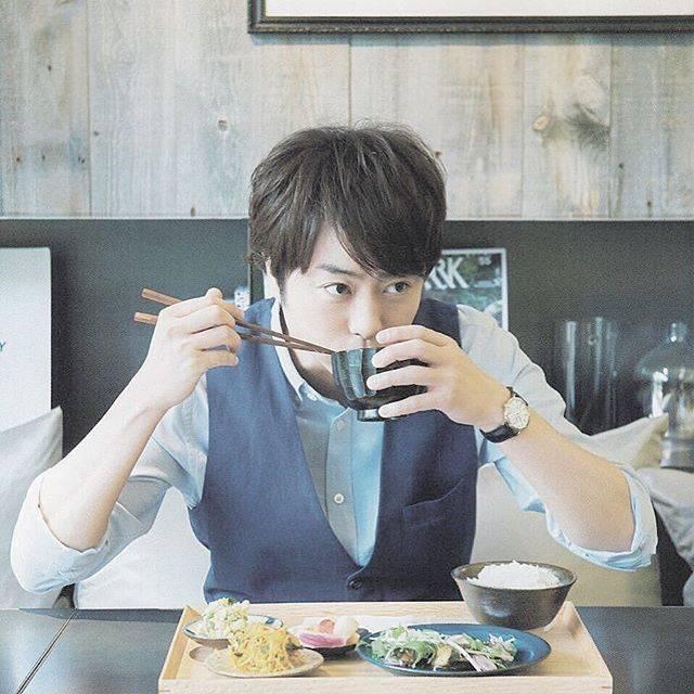 """みんミンmin on Instagram: """"・・翔くんとご飯一緒に食べたいです🙋♀️・・・#arashi #嵐 #櫻井翔#翔くん #翔くん可愛い #櫻井翔のある生活 #嵐ファンと繋がりたい"""" (581457)"""