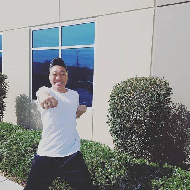 """みやぞん[ANZEN漫才] on Instagram: """"辛い、やだな、そんな朝こそ『今日は良いことあるぞー!何か楽しいなぁー幸せだな🎵目が開いた幸せだなぁー❤やるぞぉーやるぞぉーやるぞぉー😆✨最高だ🎵』 と気持ちを持っていく🙌‼…"""" (585460)"""