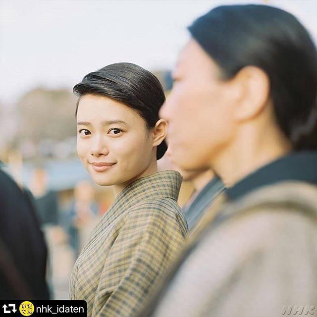 """杉咲花 on Instagram: """"こんなにも、ドラマを見てくださった方々が シマさんのことを想って哀しんでくださること、素晴らしい役を演じさせてもらうことができたんだ、と、とても幸せな気持ちです。 みなさん、どうもありがとう。 シマさんもわたしも、幸せものだ。 わたしはいだてんが大好きです。…"""" (594336)"""