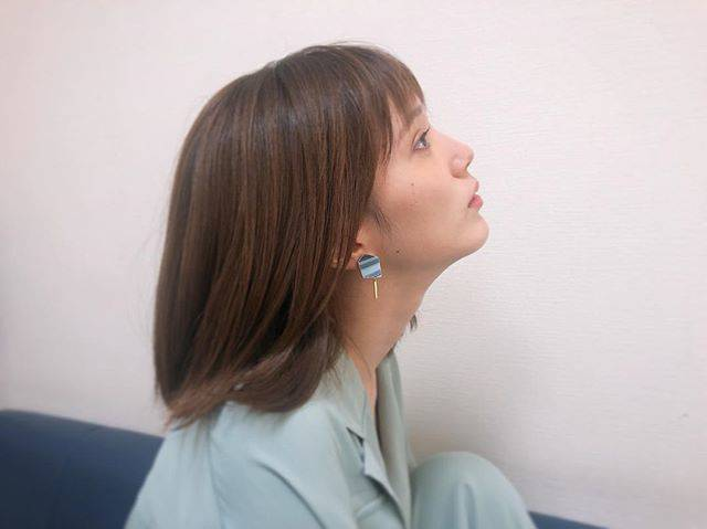 "honda tsubasa on Instagram: ""🦔テレビに出てるときよく付けている @toridori.ryoko のイヤリング。クッションが付いているので耳が痛くなりづらくて優しいのです#イヤリング"" (594388)"