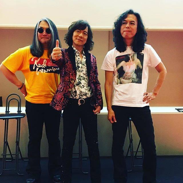 "Ociasblue920🐬 on Instagram: ""「2019年、相変わらず毎日ギターを練習してる人〜⁉️」 「はーい🙋♀️」(笑) 気持ちはまだギターを始めた中学生のまま…😆 . . . . #redwarriors #diamondyukai #shake #レッドウォーリアーズ #kiyoshi #ダイヤモンドユカイ…"" (594406)"