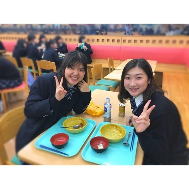 """Rikako Ikee on Instagram: """"*そして今日はすずちゃんと一緒に高校で食べるご飯が最後でした😢😢合宿ほぼ一緒だけど学校で会えなくなるっていうのが寂しい…"""" (594498)"""