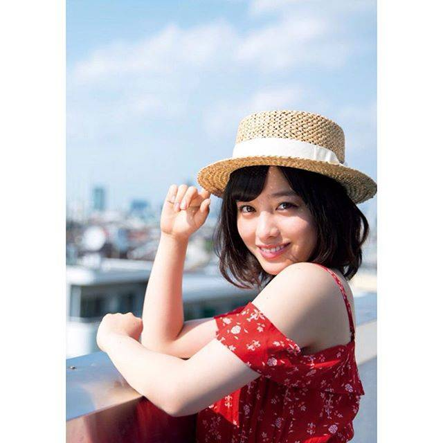 """橋本環奈 on Instagram: """"💖"""" (594630)"""