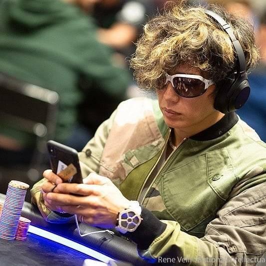 "nene on Instagram: ""バルセロナ 2019 Poker Stars EPT Barcelona 【Showtime!】 . ガクちゃん13位でフィニッシュ  獲得賞金 €51,000  つぐ兄さんが着ているドルガバ‼️ガクちゃんも持っている💕オソロだね~❤😁 . . @GACKT #GACKT…"" (596421)"