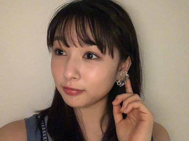 """桜井日奈子 on Instagram: """"イヤリングもらいました💄  岡山から遊びに来たお友達から🎁  カフェでゆっくりお話しましたよ🙋♀️ 就活が落ち着く人もいれば、まだまだ踏ん張らないといけない人もいて、  それぞれの場所で頑張っている地元の友達、みんなに会いたくなりました🍑…"""" (597840)"""
