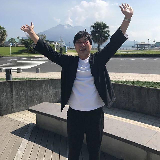 """リアル on Instagram: """"失礼すぎる行為・・・山里亮太、挨拶をしたら「指さされ笑われた」(゚ロ゚;)エェッ!? 南海キャンディーズの山里亮太(42)が、タクシーでの移動中に起こった出来事についてツイッターで言及。山里を見かけて興奮した学生たちの心無い言動が、波紋を広げている。 ■指さされ笑われた…"""" (598260)"""
