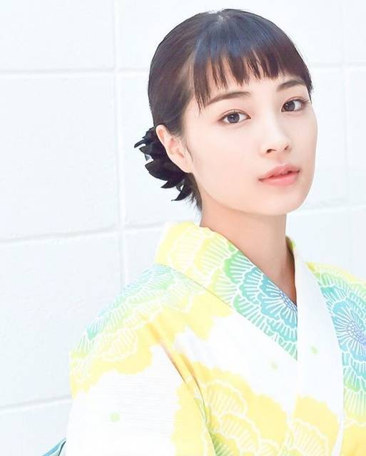 "広瀬すずfan on Instagram: ""#hirosesuzu#smile#seventeen#st#model#actor#girl#cute#beautiful#cool#fashion#makeup#photo#instagood#instafashion#instamakeup#l4#l4l#followme#히로세스즈#일본#팔로우#広瀬すず#モデル#女優#可愛い#かっこいい#セブンティーン#stchannel"" (599439)"