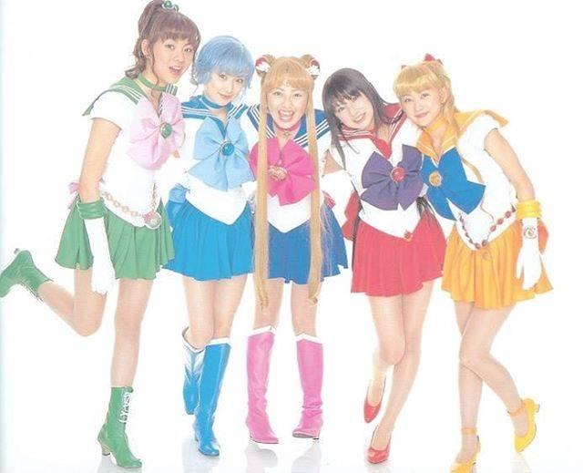 """えりりん🐻🍋 on Instagram: """"最強の可愛い5人💖💖 実写版がなんだかんだ一番好き。 景子ちゃん出てるっていうのもあるけと、5人の雰囲気がたまらなく好き。お正月の書き初めとかも☺︎ 💚💙💛❤️🧡 Pretty Guardian Sailor Moon 💚💙💛❤️🧡…"""" (601110)"""