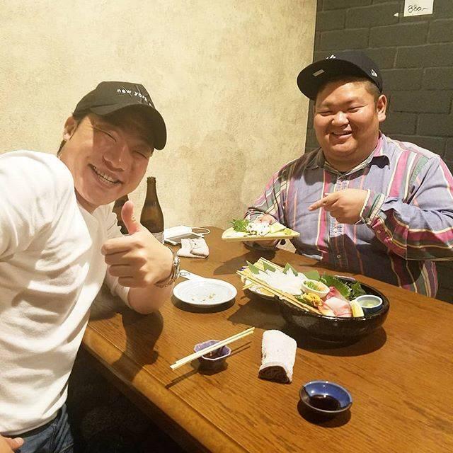 """みやぞん[ANZEN漫才] on Instagram: """"山口県にてあらぽんとあなごの刺身を初めて食べた🙌✨ 美味しかった‼本当に幸せで感謝致します😆💖 よし💪今日もやるぞーやるぞーやるぞぉー😊👍"""" (601474)"""