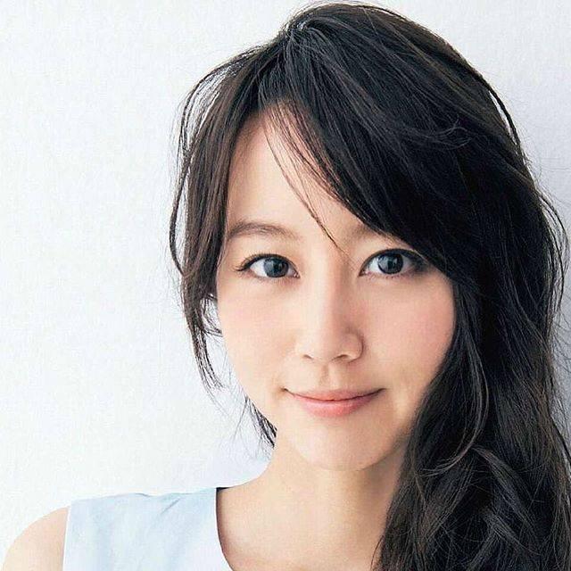 "AQUA on Instagram: ""#堀北真希 #maki #makihorikita #beautifulwoman #follwme #黒髪ロング #黒髪 #素晴らしい#フォローミー #素敵 #清純 #清楚 #かわいい #女優 #タレント #真希 #堀北"" (601960)"