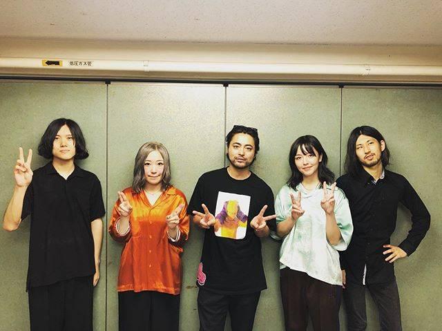 """山田孝之 on Instagram: """"yonige武道館おめでとう🎉#yonige"""" (615290)"""