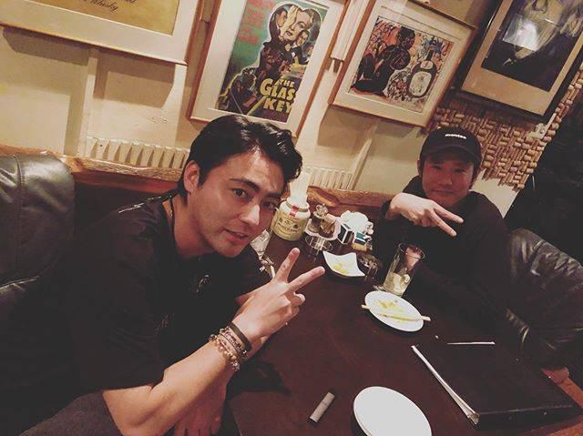 """山田孝之 on Instagram: """"共に一つの作品を生み出した友と会い、企画の話ではなくただただ雑談をするという大切な時間。二人でも、心は一つ。"""" (615295)"""