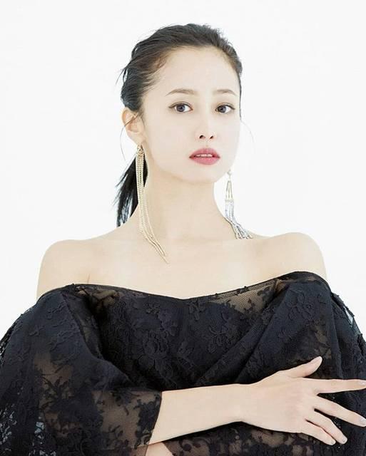 "@erika_sawajiri_zone on Instagram: ""2019『Numero TOKYO』10月号#沢尻エリカ#erikasawajiri"" (615555)"