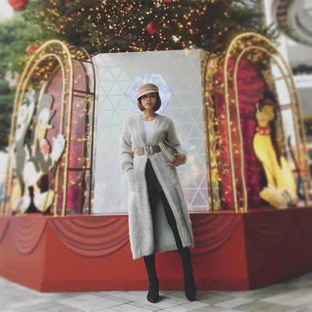 """SAYUKI on Instagram: """"今日は渋谷でプラリとお買い物。グレーとベージュで淡くクールに。いつもより暖かくて嬉しかった😊#SAYUKIfashion #ECLIN #dodge #ロングカーディガン #ガウンとかロングカーデって好き"""" (617759)"""