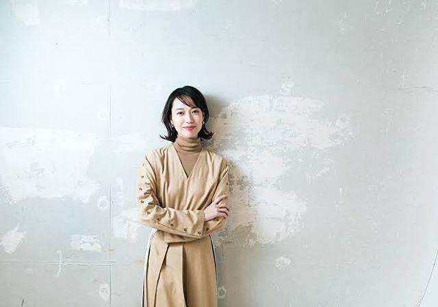 "Kiiro on Instagram: ""私のパソコンのホーム画面🌹❣️割と上位を争うくらい雰囲気がだいすきなとってぃーのお写真!!!スカーレットが楽しみすぎて🥰🥰毎日拝めるとか幸せだねえ!#戸田恵梨香 #とってぃー #戸田恵梨香好きな人と繋がりたい"" (618931)"