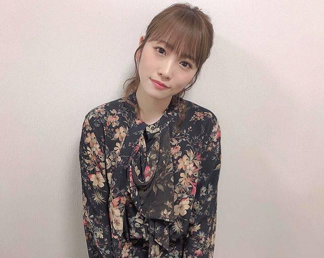 """川栄李奈 on Instagram: """"今夜のA-Studioは!アシスタント最後の放送です☺︎あっという間の1年間!ありがとうございましたっ💓ぜひご覧くださいな✌︎"""" (620961)"""