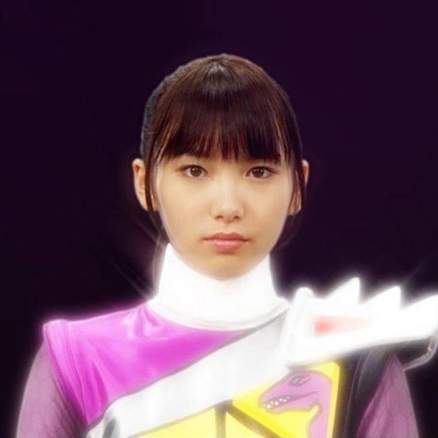 "nkosuri_girl on Instagram: ""#獣電戦隊キョウリュウジャー #キョウリュウバイオレット #弥生ウルシェード #飯豊まりえ #東映 #特撮 #2013 #marieiitoyo  #supersentai  #japanese #hero  #heroine #japan #tv #action…"" (620993)"