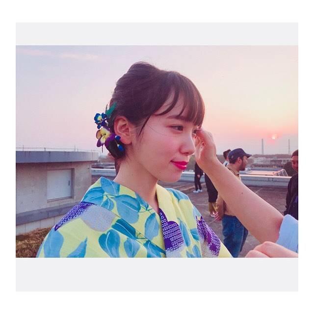 """飯豊まりえ on Instagram: """"あした新cmの情報解禁があります〜^ ^"""" (621554)"""